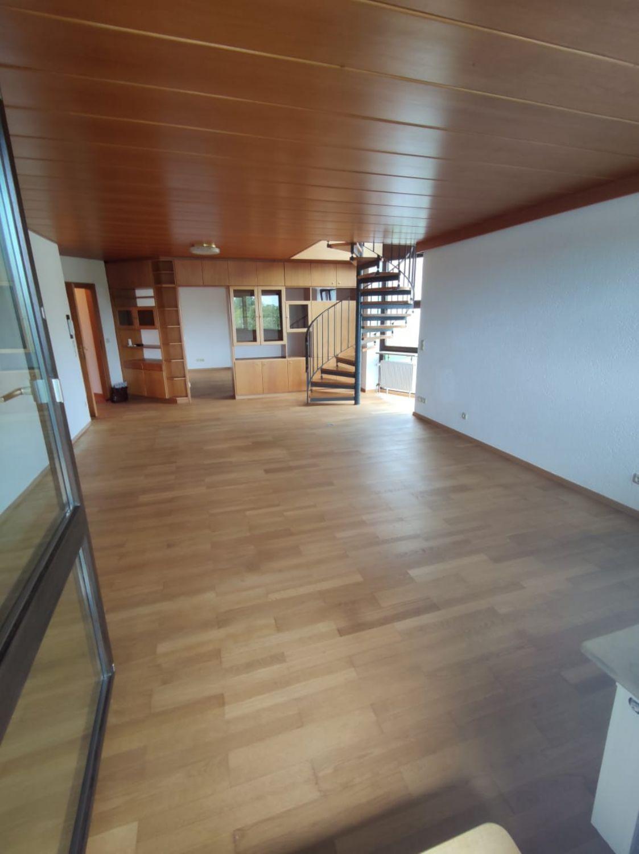 Blick von Loggia ins Wohnzimmer