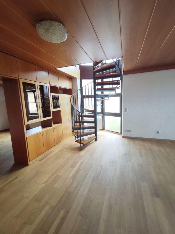 Aufgang Galerie vom Wohnzimmer